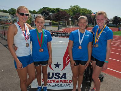 Winner Maria Michta-Coffey (left) with the top 3 Juniors at the One Hour Championships (photo: Jonathan McElvery)
