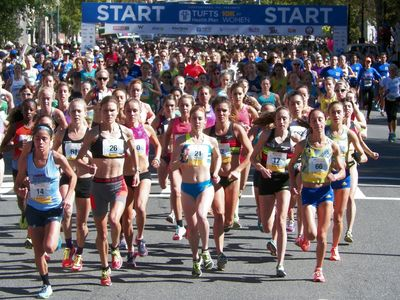 Start of the 2016 Tufts 10K/USATF Championship (photo: USATF-NE)
